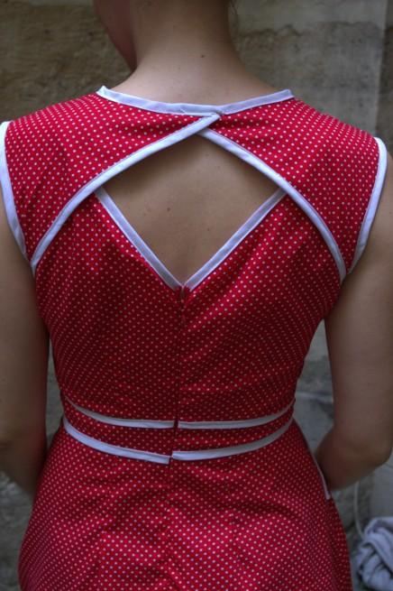 Evidemment la grande originalité de cette robe c'est le dos !