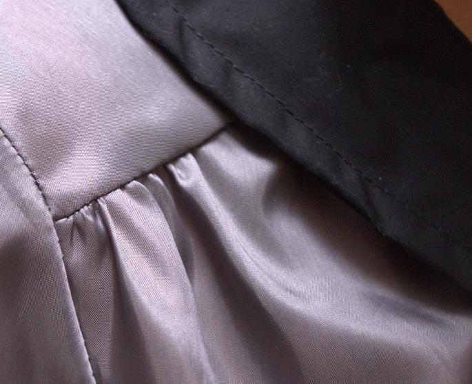 Airelle grise à manches courtes - plis